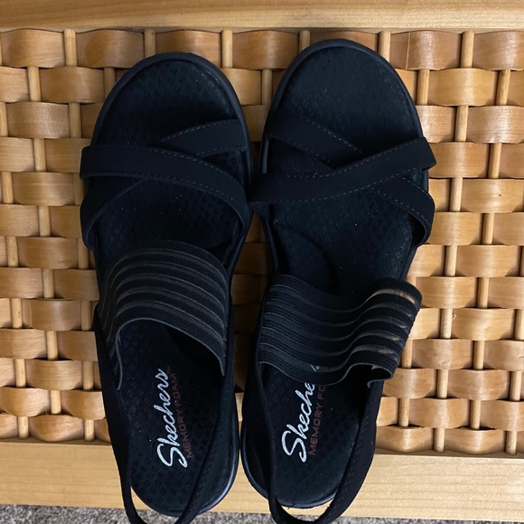Size 8 Sketchers Wedge sandal with memory foam